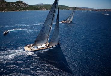 Les Wally régatent entre les îles du Nord-Est de la Sardaigne © Guillaume Plisson / OCEAN71 Magazine