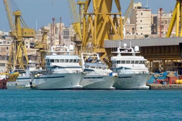 Les trois thoniers senneurs de la famille Avallone, dans le port de La Valette à Malte en 2010 © Philippe Henry / OCEAN71 Magazine