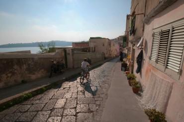 Les rues de La Coricella ©Philippe Henry / OCEAN71 Magazine