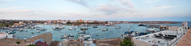 A panoramic view of the Port in Lampedusa © Philippe Henry / OCEAN71 Magazine