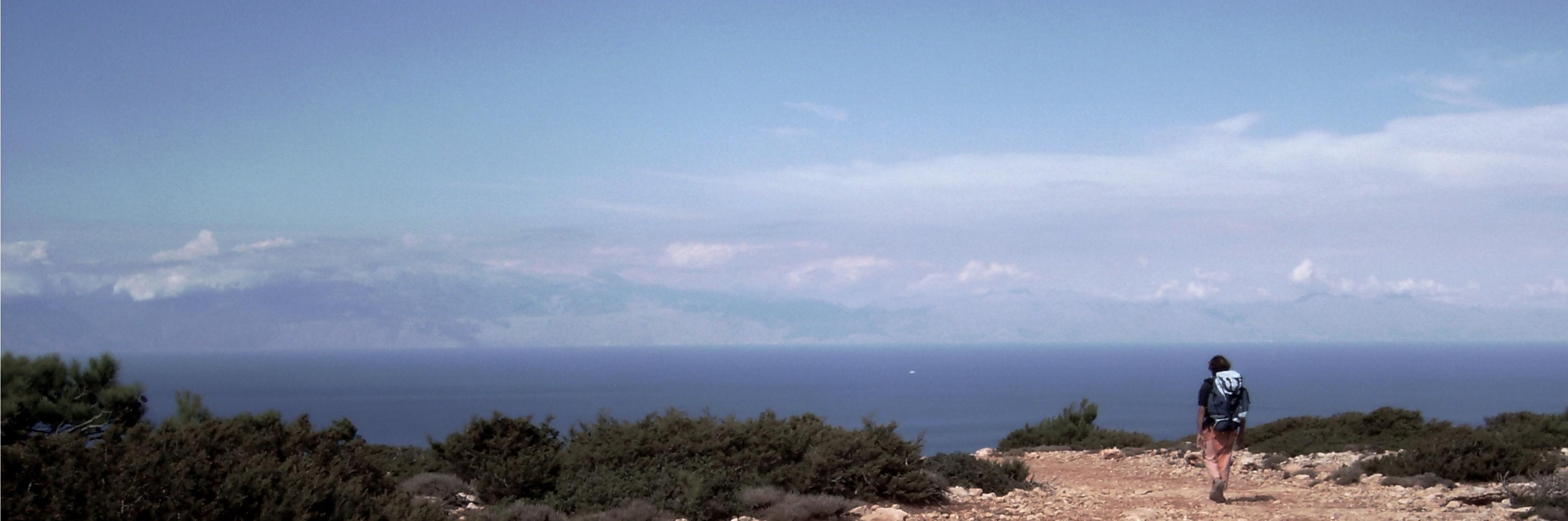 Florent Lemaçon sur une île grecque © Chloé Lemaçon