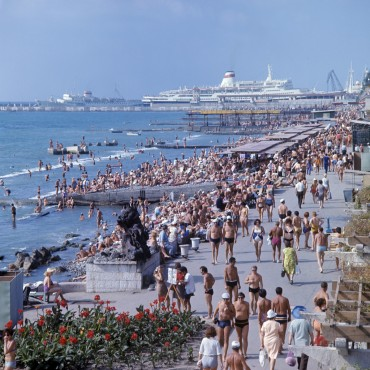 The promenade in Sochi, photo taken in 1973 © Wikipedia