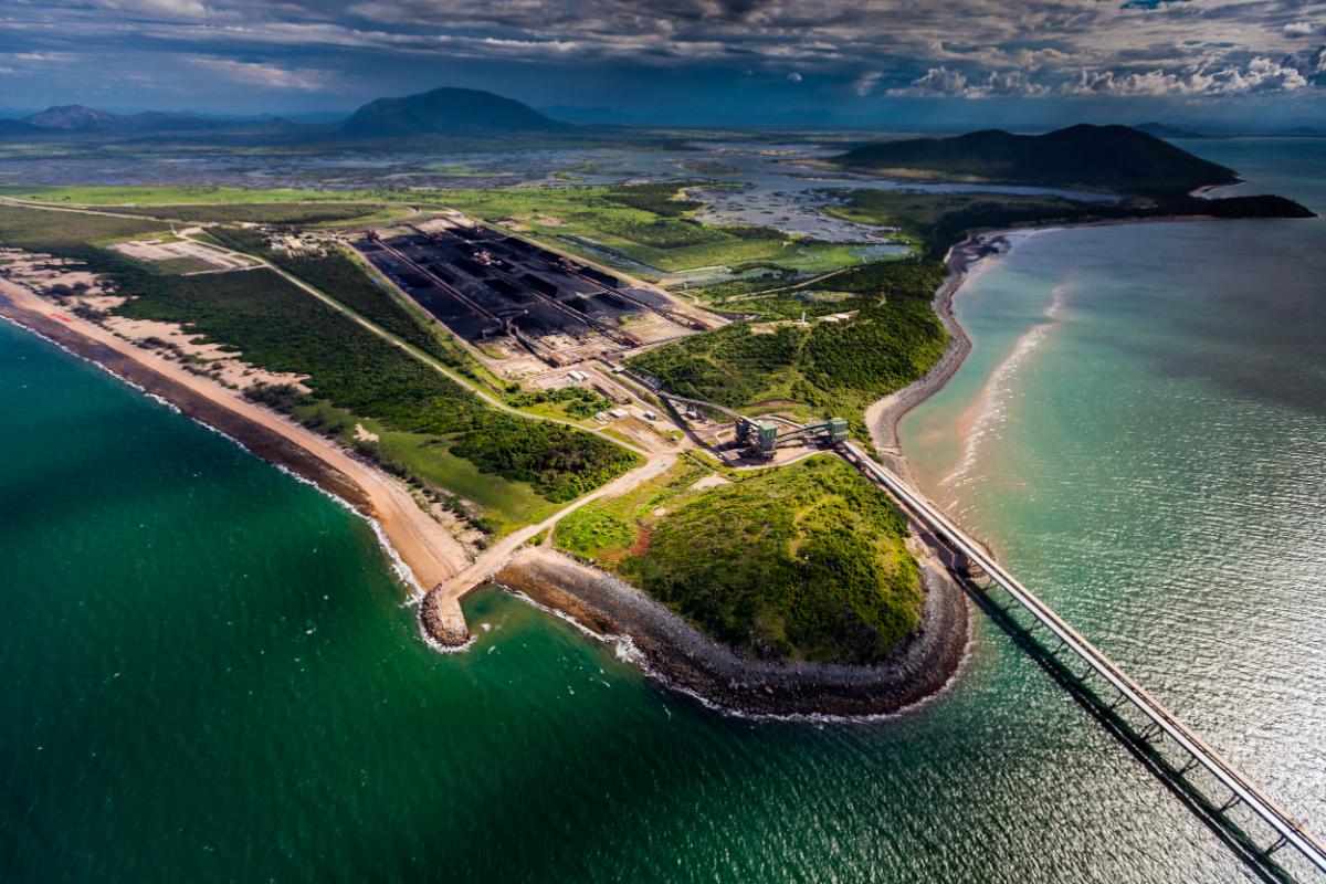 L'actuel port de charbon d'Abbot Point. Son extension est au coeur de la controverse © Tom Jefferson / Greenpeace