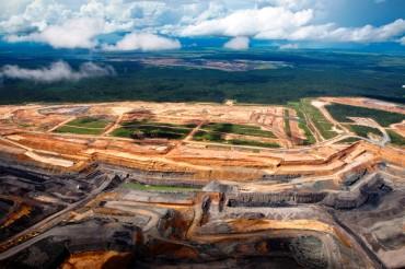 Coal development in the Bowen Basin just east of the Galilee Basin © Tom Jefferson / Greenpeace