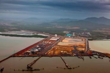 Gladstone industrial port © Tom Jefferson / Greenpeace