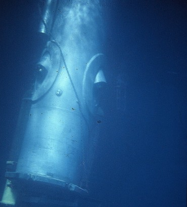 Link's cylinder in which Robert Sténuit stayed for 26 hours in the bay of Villefranche © Robert Sténuit