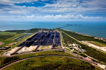 The coal port of Abbot Point is facing one of the largest World Heritage sites: the Great Barrier Reef. The port is undergoing expansions to become the largest coal port in the world © Tom Jefferson / Greenpeace