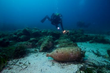 Today, there are two underwater recreated sites that divers can visit in the area of Marseille © Francis Le Guen / OCEAN71 Magazine