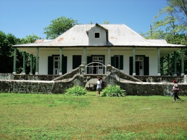 The group led by Bernadette Dugasse visited the Plantation manager house built on Diego Garcia in 1864 © Bernadette Dugasse