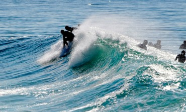 On some surfing spots, the overpopulation is so important that some local surfers impose their own laws © Andy Guinand / OCEAN71 Magazine