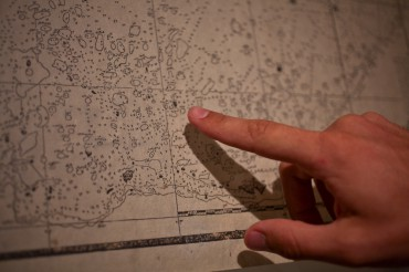 The written map, where the fishermen pointed the different pearl spots © Francis Le Guen / OCEAN71 Magazine