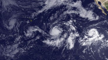 Hawaii was sourrounded by cyclones in August 2015 © NOAA