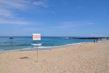 Les plages ouvertes sur l'océan sont interdites de baignade à La Réunion depuis 2013, en raison du trop grand risque d'attaque de requin © Andy Guinand / OCEAN71 Magazine